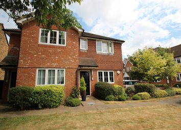 Thumbnail 3 bed shared accommodation to rent in Cherry Tree Road, Beaconsfield