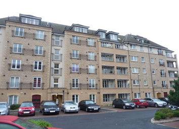 Thumbnail 2 bed flat to rent in Powderhall Brae, Edinburgh