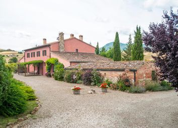 Thumbnail 8 bed farmhouse for sale in Valle D'orcia, Siena, Tuscany, Italy