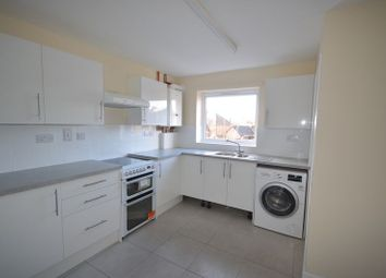 Thumbnail 3 bed flat to rent in Penn Road, Beaconsfield