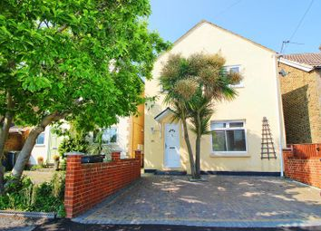 Thumbnail 4 bed detached house to rent in Birling Road, Snodland