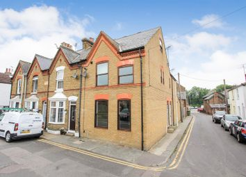 2 bed maisonette to rent in Swanfield Road, Whitstable, Kent CT5