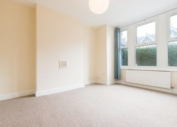 2 bed flat to rent in Replingham Road, London SW18