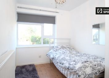 Thumbnail Room to rent in Southwood Close, Bickley, Bromley