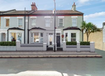 St. Johns Road, Westcliff-On-Sea SS0. 3 bed semi-detached house