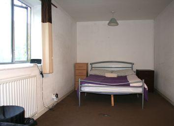 Thumbnail Room to rent in R4, Flat 3, 24 Bowfair, Fairfield Rd, London