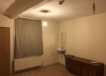 Thumbnail Room to rent in St. Johns Parade, Sidcup High Street, Sidcup