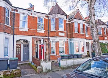 2 bed property to rent in Lyndhurst Road, Wood Green, London N22
