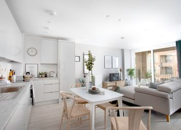 Thumbnail 1 bedroom flat for sale in Holborough House, 32 Lismore Boulevard, Barnet, London