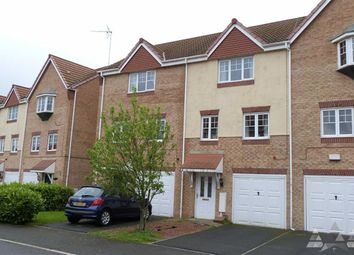 Thumbnail 3 bed town house to rent in White Rose Avenue, Mansfield, Nottinghamshire