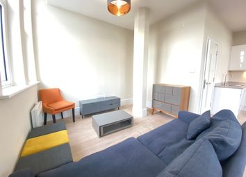 3 bed flat to rent in The Dock Office, Furness Quay, Salford Quays M50
