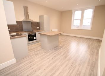 2 bed flat to rent in Market Street, Hyde SK14