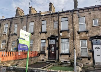 2 bed terraced house to rent in Vine Terrace West, Bradford BD8
