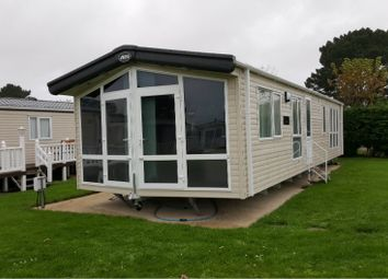 Thumbnail 2 bed mobile/park home for sale in Lymington Road, Highcliffe