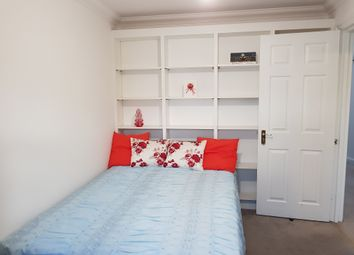 Thumbnail Room to rent in Warburton Close, Culfor Road