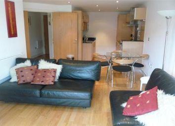 2 Bedrooms Flat to rent in Mackenzie House, Leeds LS10