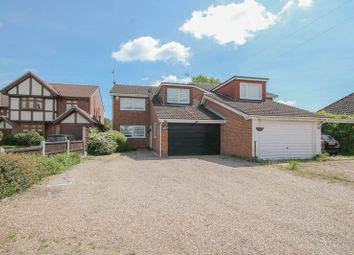 4 bed link-detached house for sale in High Road North, Laindon, Basildon SS15