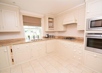 Thumbnail 2 bed flat to rent in Treetops, Caversham, Reading