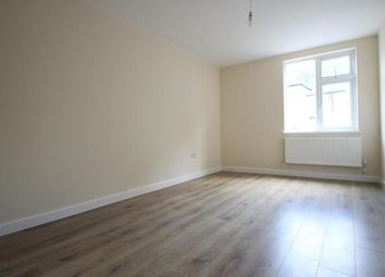 Thumbnail 1 bed flat to rent in Homedale Road, Bromley