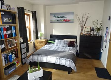 Thumbnail 4 bed flat to rent in Broadway, Treforest, Pontypridd