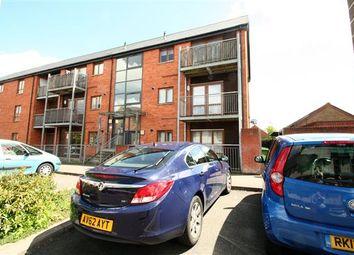 Thumbnail 1 bed flat to rent in Oakridge, Basingstoke, Hampshire