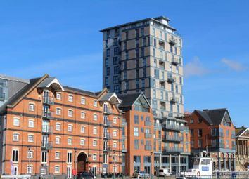 Thumbnail 1 bed flat to rent in Regatta Quay, Key Street, Ipswich