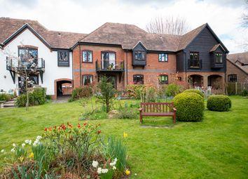 Swan Court, Newbury RG14. 2 bed maisonette for sale