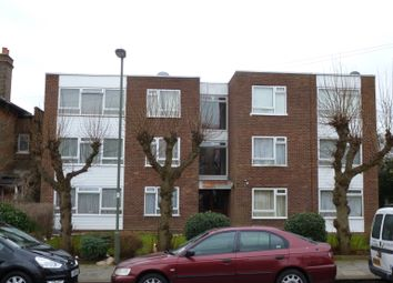 Thumbnail 2 bed flat to rent in Kingsclere Court Friern Park, North Finchley