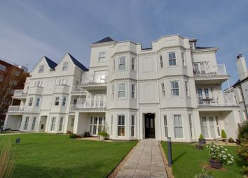 Mill Road, Worthing BN11. 2 bed flat for sale