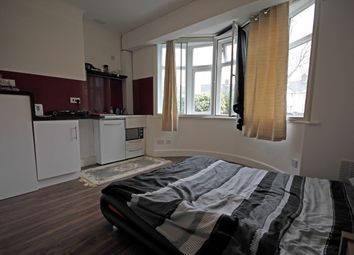 Thumbnail Studio to rent in Shelley Crescent, Hounslow