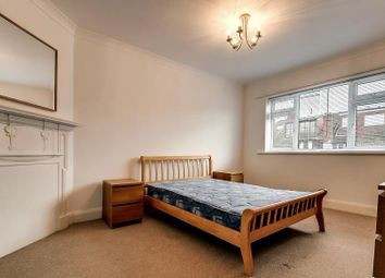 Thumbnail 2 bed flat to rent in Alyth Gardens, London