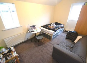 Thumbnail Room to rent in Wokingham Road, Reading, Berkshire