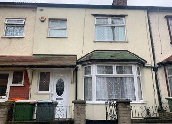5 bed detached house to rent in Lonsdale Avenue, London E6