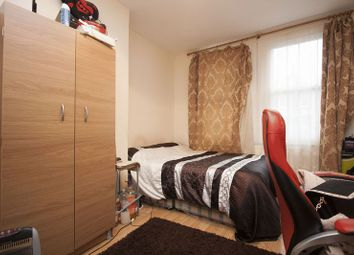 Thumbnail 2 bed flat to rent in Leucha Road, London