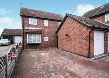 Thumbnail 4 bed detached house for sale in Fieldfare Green, Luton, Bedfordshire, England