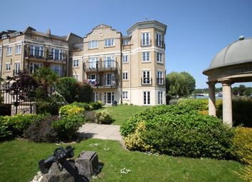 2 bed flat to rent in Regents Riverside, Brigham Road, Reading, Berkshire RG1
