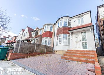 Thumbnail 3 bed flat to rent in Leeside Crescent, London