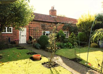 Thumbnail 3 bed cottage for sale in Newark Road, Hawton, Newark