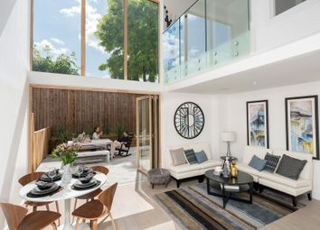 Thumbnail 3 bed town house for sale in Brackenbury Road, London