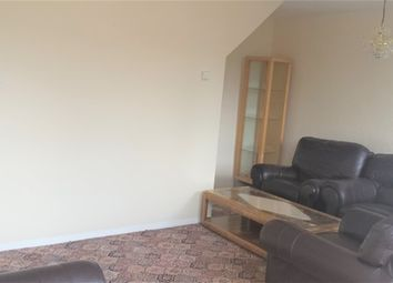 Thumbnail 3 bed flat to rent in Banbury Road, Hackney, London