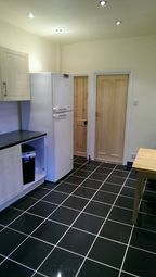 Thumbnail 3 bed shared accommodation to rent in Kimbolton Avenue, Lenton, Nottingham