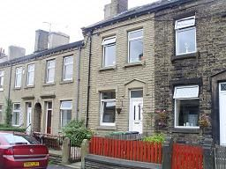 Thumbnail 4 bedroom terraced house to rent in Ravensknowle Road, Huddersfield