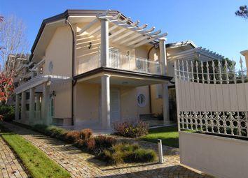 Thumbnail 4 bed villa for sale in Forte Dei Marmi, Toscana, 046013, Italy