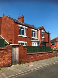 Thumbnail Room to rent in Wentworth Road, Doncaster