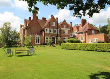 Thumbnail 3 bedroom flat for sale in Tidmarsh Court, Tidmarsh, Reading