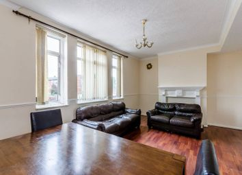 2 bed maisonette to rent in Carnbrook Road, Blackheath, London SE3