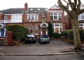 Thumbnail 2 bed flat to rent in Queens Avenue, Muswell Hill