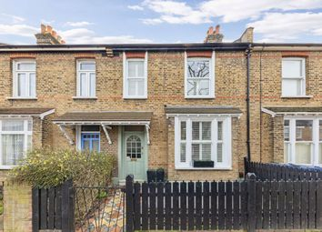 3 bed property for sale in Hessel Road, London W13