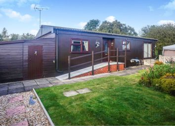 Thumbnail 2 bed mobile/park home for sale in Chestnut Crescent, Torksey, Lincoln