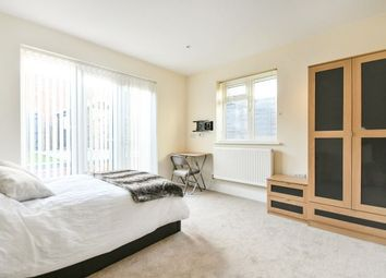Thumbnail Room to rent in 12 Redcliffe Street, Swindon